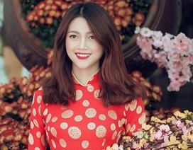 Thiếu nữ cao nguyên đất đỏ đọ sắc với hoa Xuân