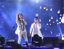 """Mỹ Tâm """"quẩy"""" cực sung cùng 120.000 khán giả Nha Trang trong đêm U23 Việt Nam lập kỳ tích"""