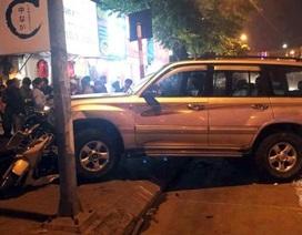 Tạm giữ hình sự tài xế ô tô gây tai nạn liên hoàn trên phố Hà Nội