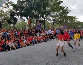 """Sinh viên """"tiếp lửa"""" cho đội tuyển U23 Việt Nam"""