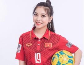Quang Hải nhận món quà đặc biệt từ bạn gái trước giờ bóng lăn