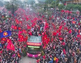 Sứ mệnh vinh quang đón người hùng U23 trở về của chiếc xe bus nổi tiếng nhất Việt Nam