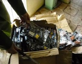Thu giữ hơn 1.000 khẩu súng đồ chơi bắn đạn nhựa trên xe khách