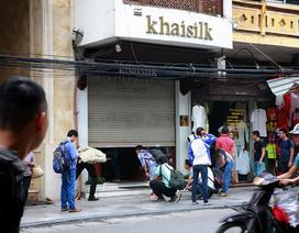 Vụ Khaisilk: Có đúng hai cán bộ quản lý thị trường Hà Nội chỉ bị hạ mức khen thưởng?
