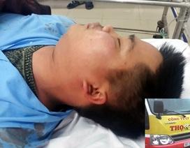 Hành khách hoảng loạn vì tài xế xe buýt bị nhóm thanh niên lôi xuống đánh