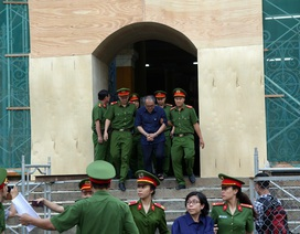 Tòa không chấp nhận đơn xin vắng mặt của ông Trần Bắc Hà