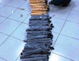 Phát hiện lô hàng dùi cui điện được gửi lên máy bay