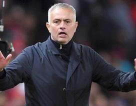 """Một """"giọt nước"""" nhỏ có thể cứu HLV Mourinho?"""