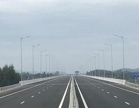Cao tốc hơn 34.000 tỷ vừa thông xe đã hỏng: Dừng thu phí toàn tuyến!