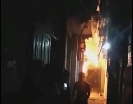 Hà Nội: Con rể đốt nhà bố vợ trong đêm khiến cháu bé 6 tuổi bỏng nặng