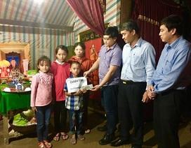 Trao hơn 64 triệu đồng đến góa phụ nghèo cùng 3 đứa con thơ