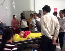 Hỗ trợ 6 học sinh bị điện giật thương vong trước cổng trường