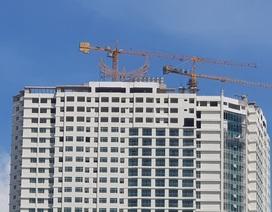 """Chủ cao ốc 43 tầng ở Nha Trang đang """"cắt ngọn"""" 3 tầng xây vượt"""