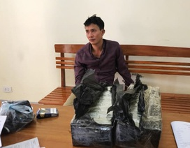 Ông trùm mang 30 bánh heroin tông cửa ô tô bỏ chạy khi bị vây bắt