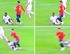 Sergio Ramos khiến ngôi sao tuyển Anh nằm sân vì chơi xấu