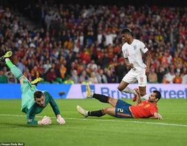 Tây Ban Nha 2-3 Anh: Cú đúp của Sterling