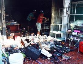 Cháy nhà trong đêm, gia đình 4 người kịp chạy thoát thân