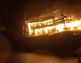 Nổ tàu cá làm 1 người tử vong, 13 người bị thương