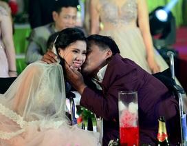 Xúc động lễ cưới tập thể cho 40 cặp đôi khuyết tật ở Sài Gòn