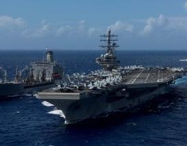 Trực thăng rơi ngay trên boong tàu sân bay Mỹ