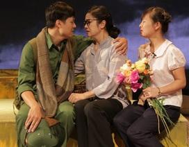 NSƯT Thu Hà gây xúc động với hình ảnh người mẹ Hà Nội thời chiến