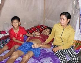 Bị ung thư, cha cắn răng ở nhà chịu đau để vợ con đỡ khổ