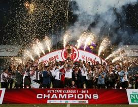 Thắng đậm Cần Thơ, CLB Hà Nội trọn niềm vui trong ngày nâng cúp vô địch V-League