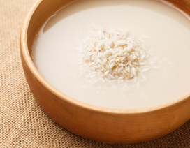 Những công dụng của nước gạo với đối với tóc