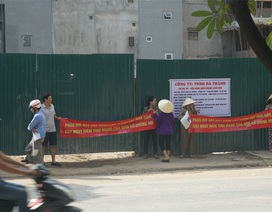 Hà Nội: Căng băng rôn phản đối xây dựng cây xăng sát nhà dân