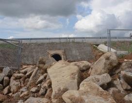Cao tốc Đà Nẵng - Quảng Ngãi: Bê tông mái taluy vỡ vụn