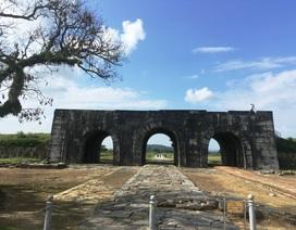 Công bố khoản tài trợ tu sửa cấp thiết mái vòm cổng Nam Thành nhà Hồ