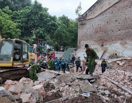 Sập tường nhà gần hồ Hoàn Kiếm, hàng trăm người hoảng loạn