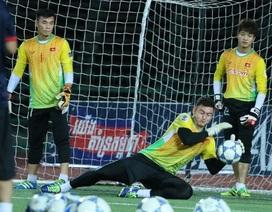 Thủ môn Bùi Tiến Dũng nói gì trước nguy cơ dự bị ở AFF Cup 2018?