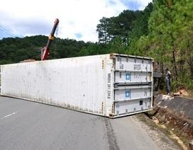 Xe container lật trên đèo Mimosa, giao thông ách tắc nhiều giờ liền