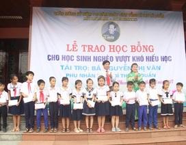 Phu nhân cố Tổng Bí thư Lê Duẩn - Người luôn quan tâm, hỗ trợ học sinh nghèo hiếu học