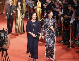 Nghệ sĩ Việt và quốc tế lộng lẫy trên thảm đỏ LHP Quốc tế Hà Nội V