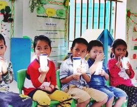 """2.950 đồng/hộp sữa 180ml hay chương trình """"sữa trà đá"""" 4.000 tỷ đồng của Hà Nội"""