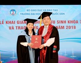 Trường ĐH Kinh tế quốc dân trao bằng tiến sĩ tới 87 học viên
