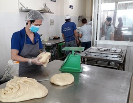 """Bánh mì khiến 55 người nhập viện chế biến từ… """"hôm trước"""""""