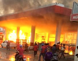 Xác định nguyên nhân cây xăng cháy ngùn ngụt ở Sài Gòn