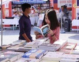 Nhiều chương trình bán sách giảm giá, khuyến mại tại Hội sách Hà Nội 2018
