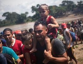 """Ông Trump cảnh báo 4.000 người tị nạn: """"Quân đội Mỹ đang chờ sẵn"""""""