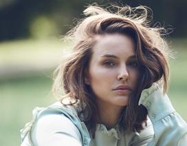 Natalie Portman không bao giờ chơi với... nữ giới ở Hollywood