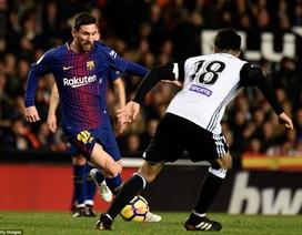 Valencia - Barcelona: Mestalla dậy sóng