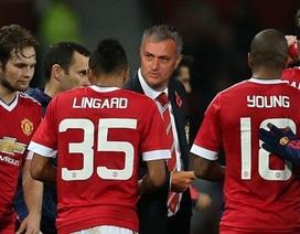 """Valencia xin lỗi vì """"thả tim"""" dòng trạng thái đòi sa thải Mourinho"""