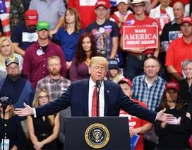"""Ông Trump nói không """"ngán"""" so tài với ông Putin"""
