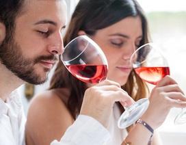 Một tuần uống vài ly rượu làm giảm nguy cơ chết sớm vì bệnh tim