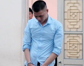 """Hà Nội: Xét xử gã chồng sát hại vợ rồi viết chữ """"Phản bội"""" lên bụng"""