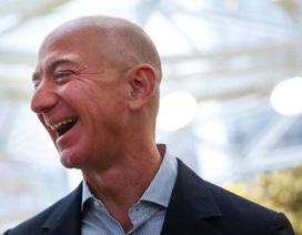 Thu nhập cả năm nhân viên tại Amazon bằng… 11,5 giây làm việc của Jeff Bezos