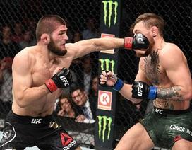 """""""Gã điên"""" McGregor bị hạ gục trong ngày tái xuất UFC, tạo ra màn hỗn chiến"""